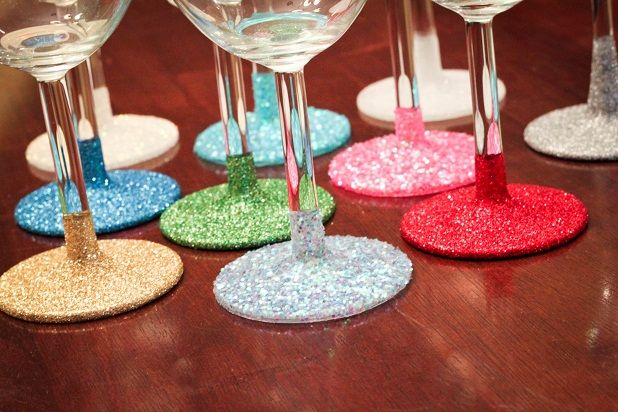 Glittery wine glasses - perfect for bachelorette parties!