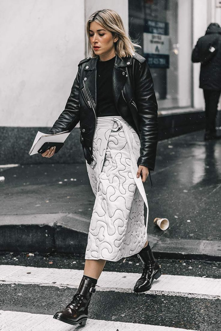 Leather jackets always complete a look perfectly. #leatherjacketoutfit