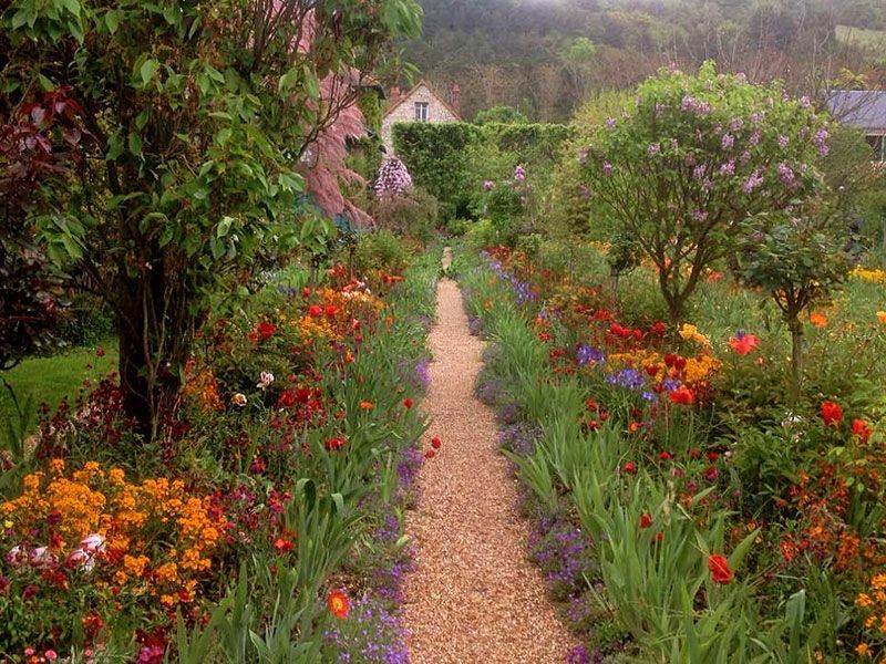 Gorgeous gardens tour of France and England - The Good Life France