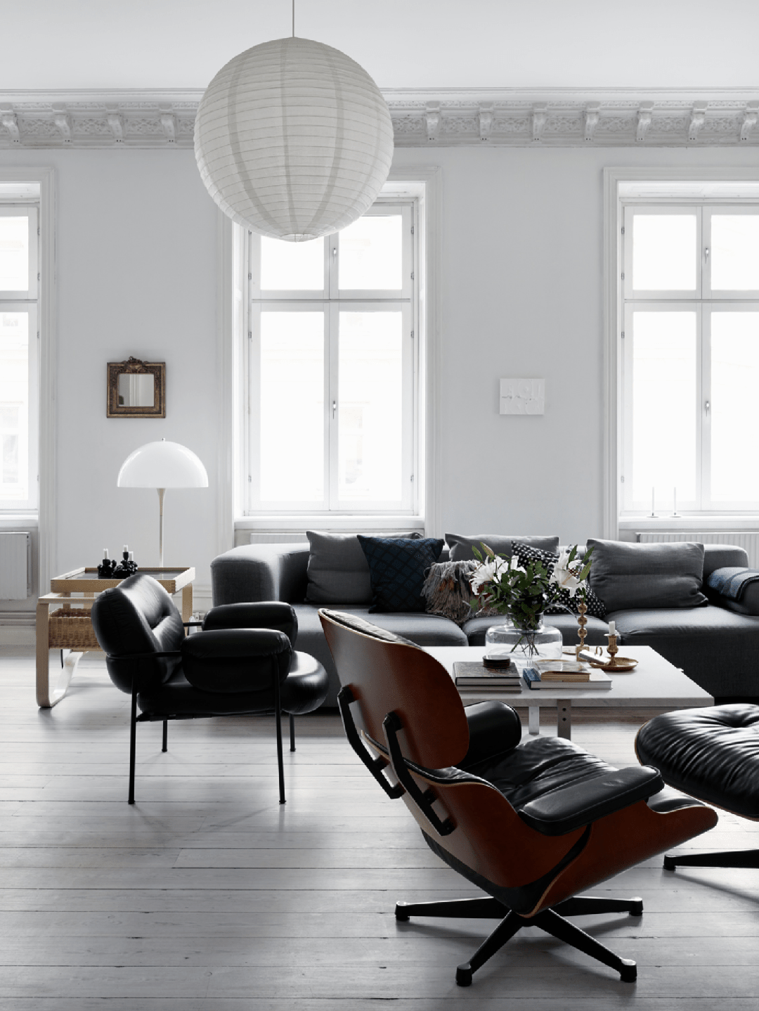 Calm Natural Palette With Great Design Classics Living Room Scandinavian Scandinavian Design Living Room Home Decor
