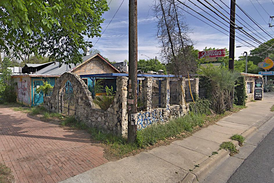 Austin Apartments Planned for Robert RodriguezOwned