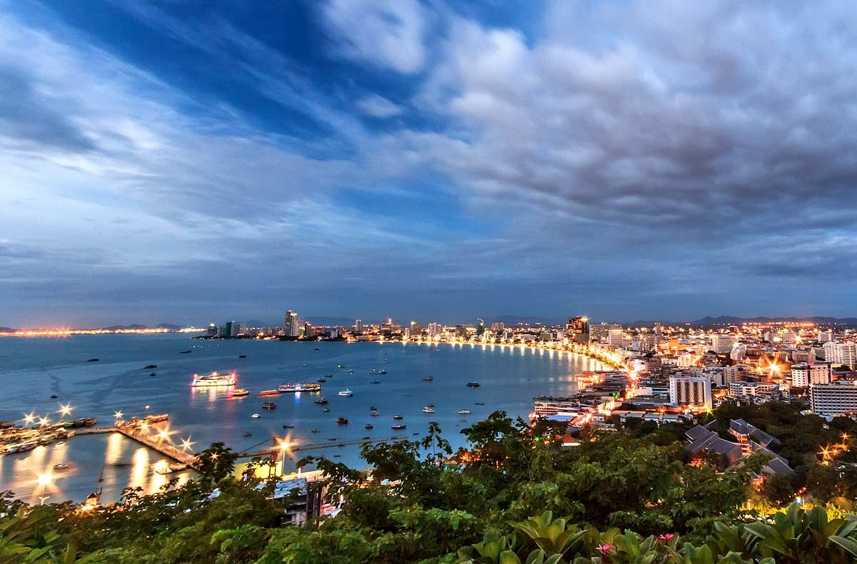 Khao Pattaya View Point on Pratumnak Hill is the best viewpoint in the region and the place to visit day or night to get that classic shot of Pattaya's sweeping, crescent bay. Be warned though, this is anything but an insider's tip so expect to share your