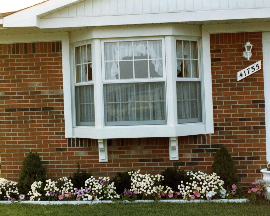 Square Bow Window With Supports Shutters Exterior Bay Window Exterior Exterior Brick