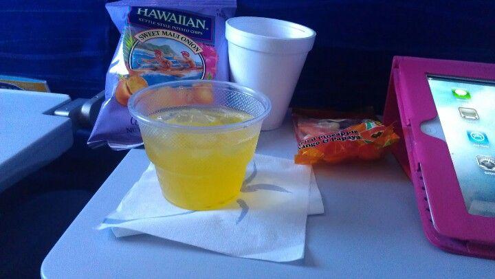 Hawaiian Airlines snack + mai tai
