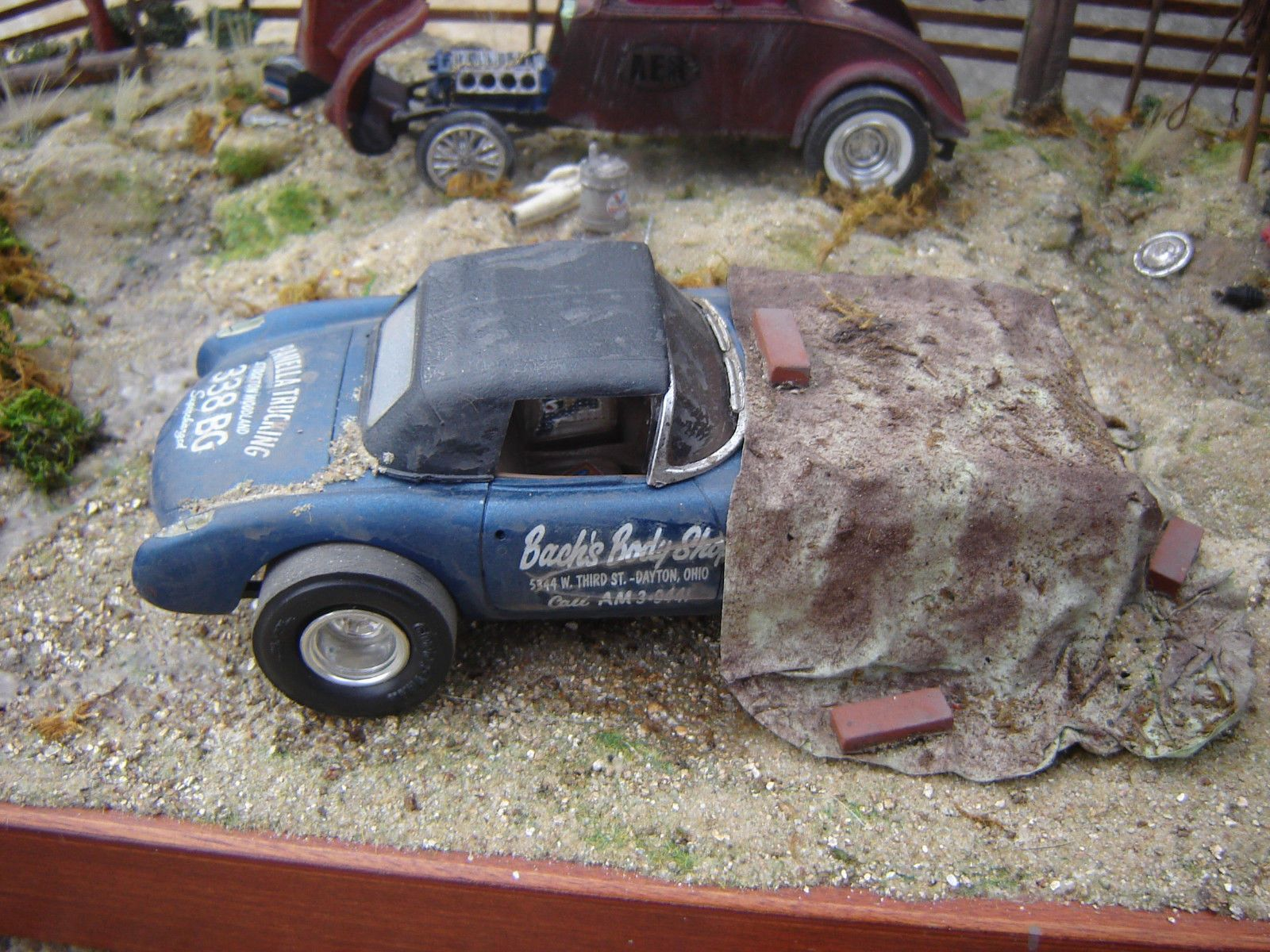 1 25 Model Car Kit Built Diorama Vette Willys Gassers Junkyard Parts Car Model Model Cars Kits Car