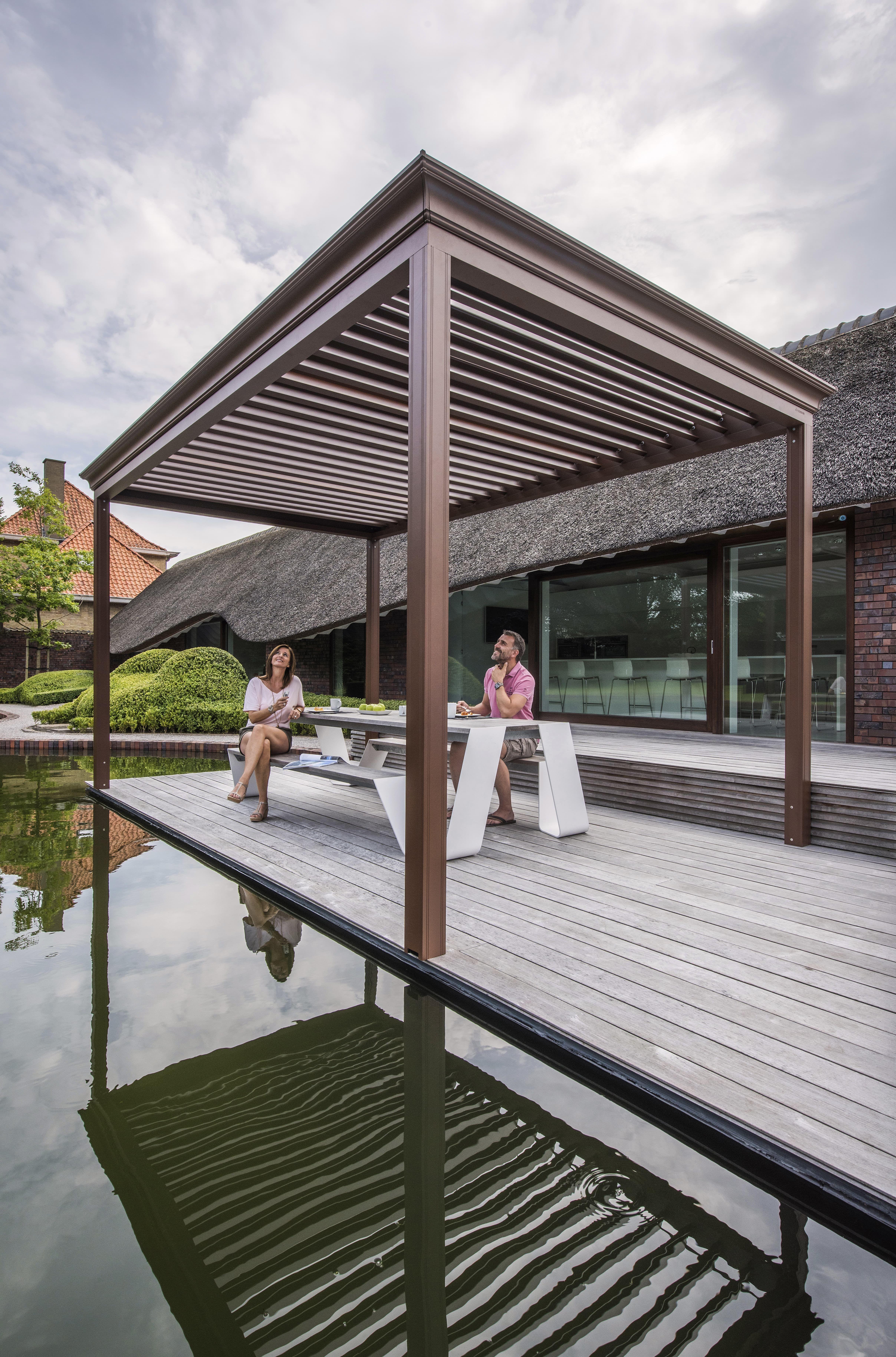 luxus pur auf der heimischen terrasse: terrassendach renson, Gartengerate ideen