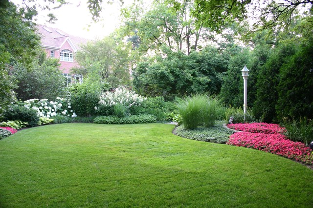 Backyard Traditional Traditional Landscape Chicago By Western Dupage Landscaping Inc In 2020 Beautiful Gardens Backyard Landscaping Landscape Design