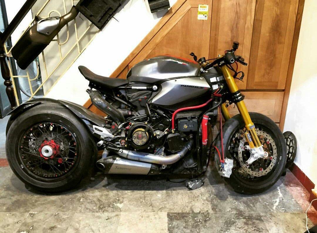 Ducati 1199 Panigale Custom Cafe Racer