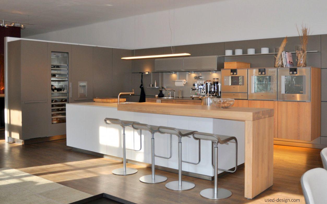 Kücheninsel bulthaup b3 mit Gaggenau Induktionskochfeld