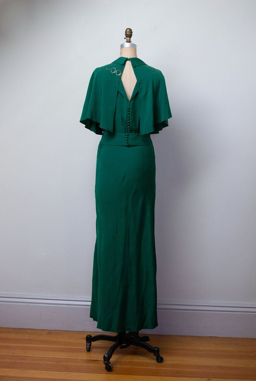 1930s Emerald Green Gown W Caplet Female Hysteria Vintage Emerald Green Gown Green Evening Dress Emerald Green Evening Dress [ 1336 x 900 Pixel ]