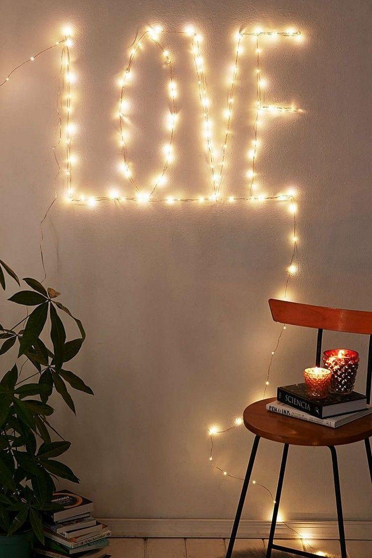Schrift love an der wand mit lichterketten bilden mili lichterkette dekoration und deko - Lichterkette an der wand ...