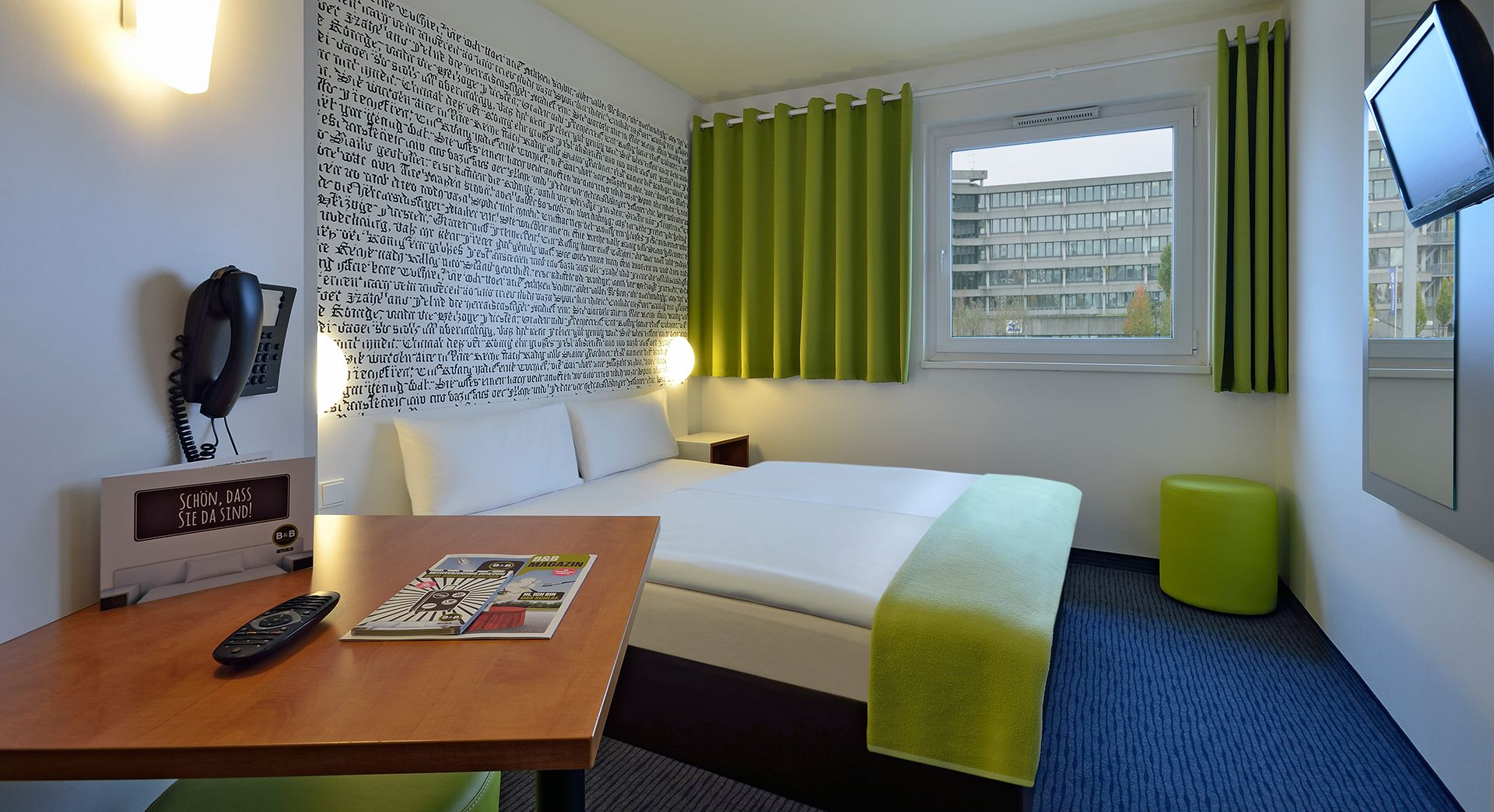 Zimmer Mit Franzosischem Bett Im B B Hotel Munchen Messe Haus Deko Hotel Munchen Moderne Hotelzimmer