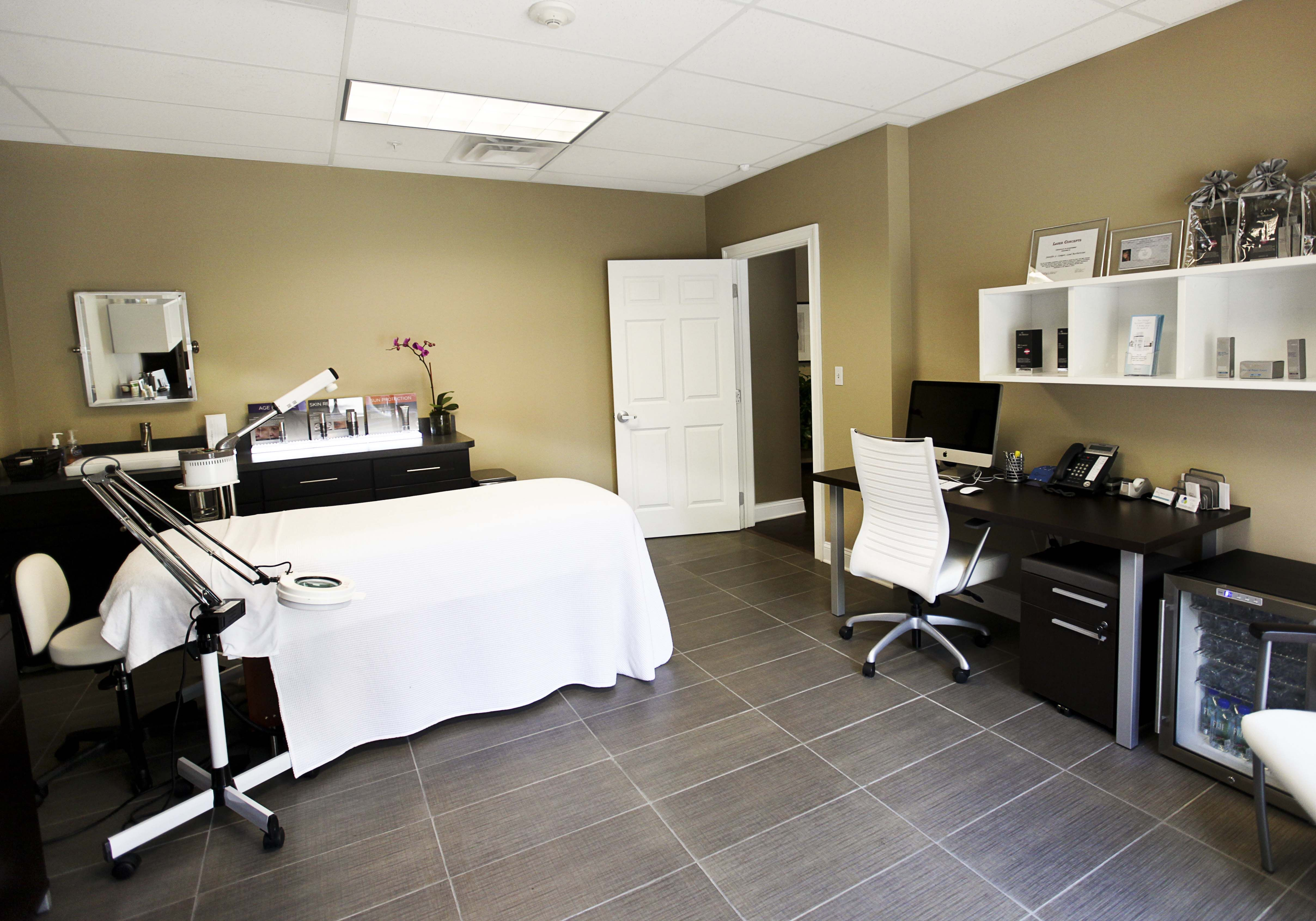 Medical Spa Massage Therapy Rooms Spa Massage Therapy Therapy Room
