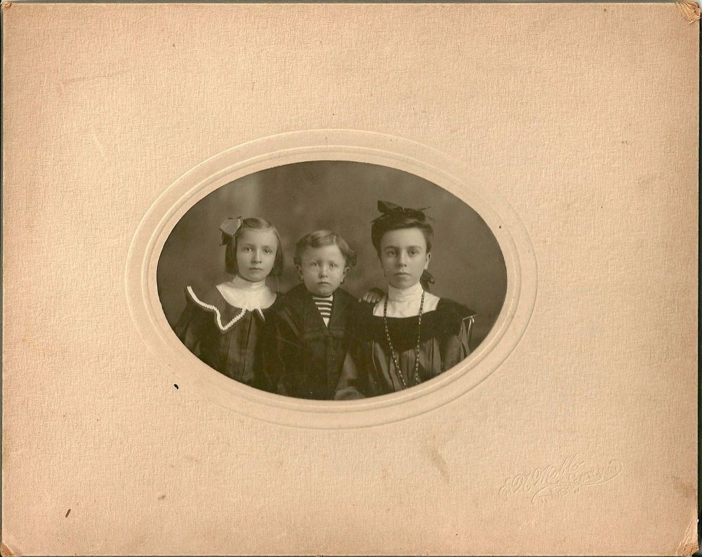 EARLY 20TH Formal Family Portrait The Cole Family Traverse City Michigan Moblo