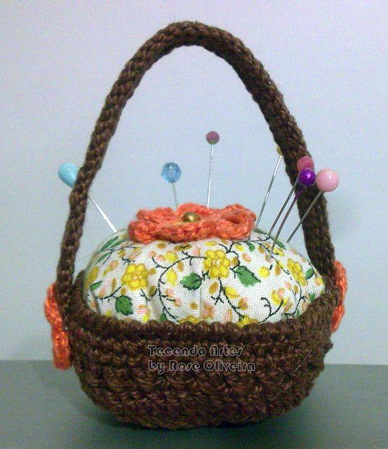 Tecendo Artes em Crochet: Cestinha Alfineteiro