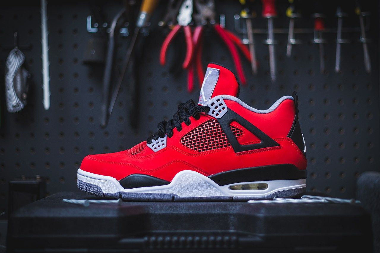 buy popular feb86 f8fcf Air Jordan 4 Retro - Fire Red Cement Grey