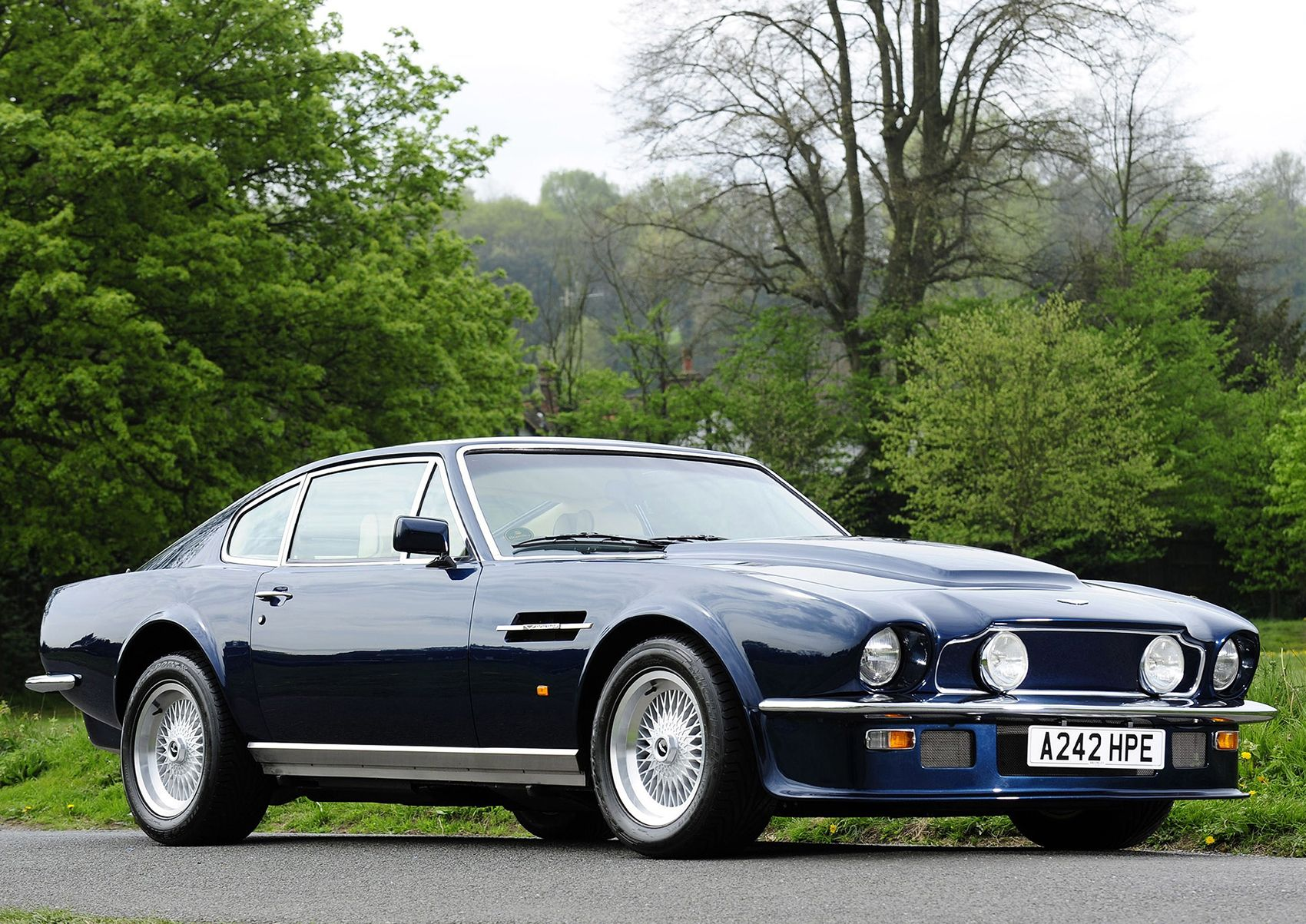 1989 Aston Martin V8 Vantage. Aston\'s muscle car in its final and ...