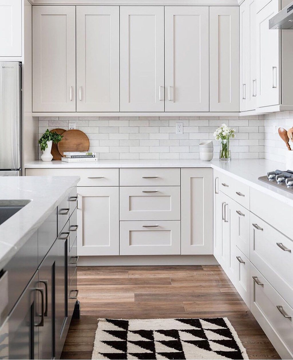 Keep The Cloe Installs Coming The Perfect Backsplash For This Kitchen Designed By Pcdsa White Kitchen Backsplash Kitchen Remodel Layout Kitchen Inspirations