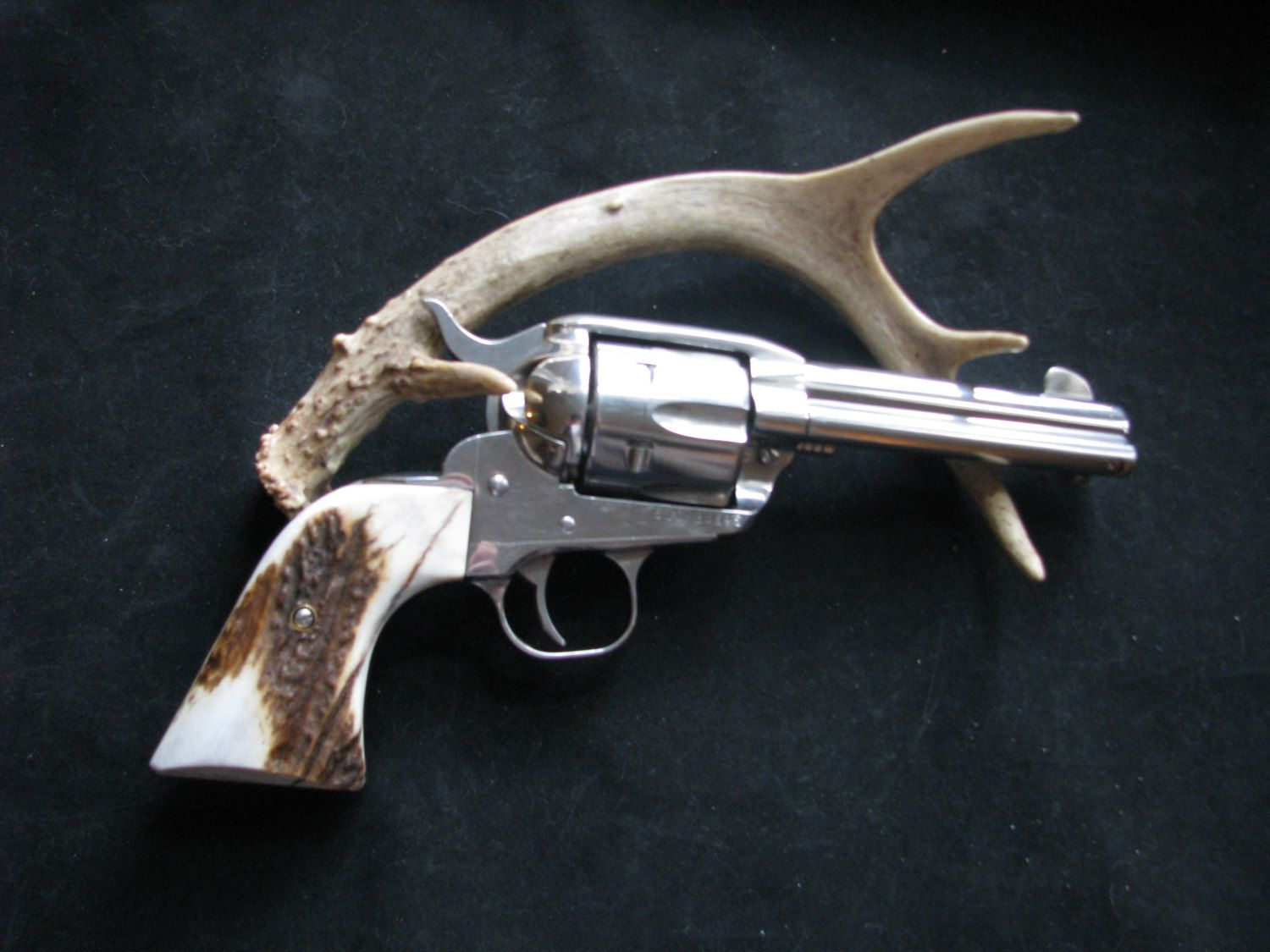 Nice! New Model Vaquero For Ruger Frames  2nd to the Real Look Of Stag