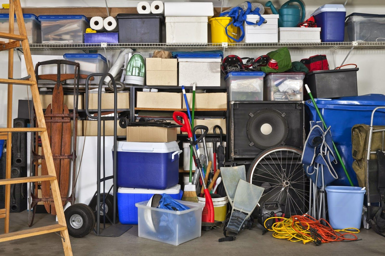 Agréable Ranger Son Garage #9: Location-garde-meuble-self-stockage: Comment Bien Ranger Son Garage ?