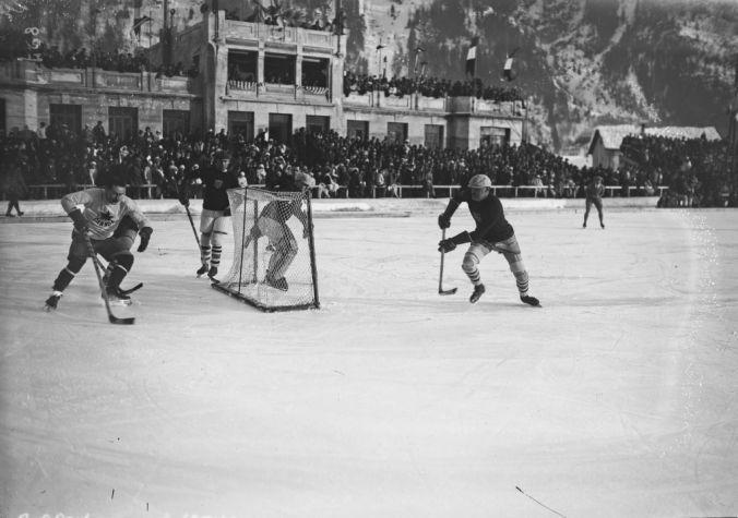 Chamonix, 03/02/1924, hockey, Canada contre Amérique (finale du tournoi olympique)   Photographie de presse : Agence Rol