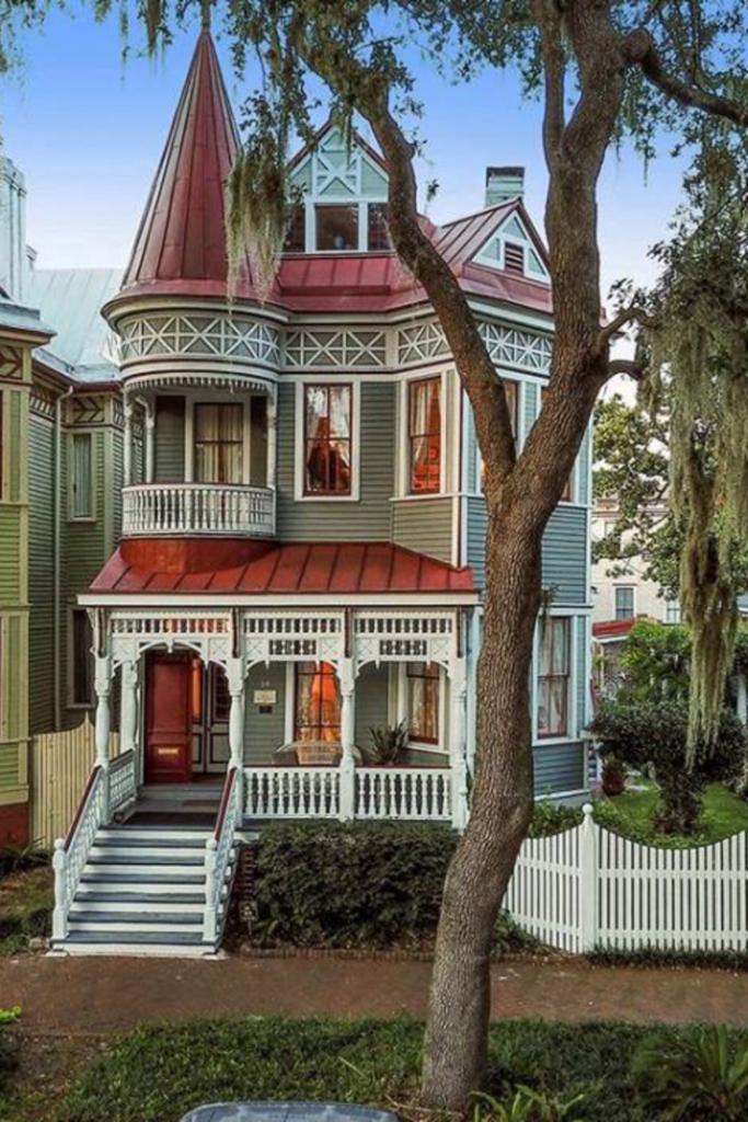 1890 Dickinson Exley House In Savannah Georgia Victorian Homes