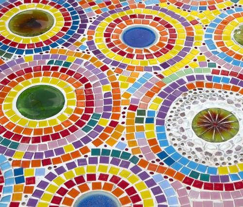 A Great Project To Make And Keep For Garden Or Table Circled Mosaic Art