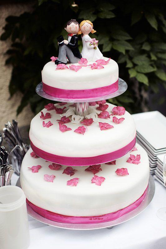 Wedding Cake Hochzeitstorte Mit Kleiner Figur Brautpaar Pink