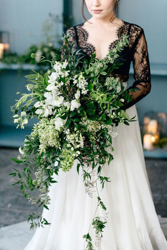 Green and white bouquet | Wedding & Party Ideas