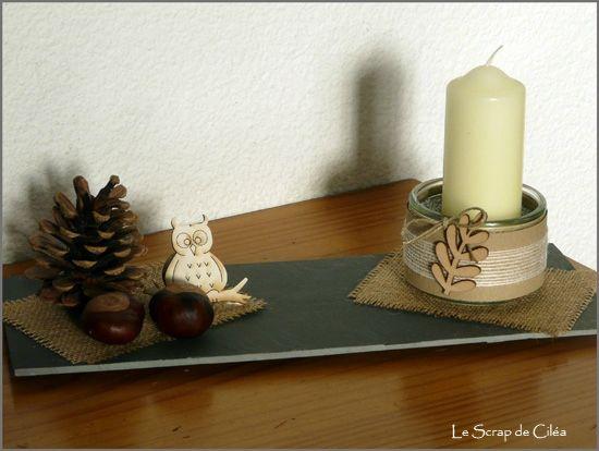 un chouette centre de table assiette ardoise pomme de pin marrons de mon jardin et bougies. Black Bedroom Furniture Sets. Home Design Ideas