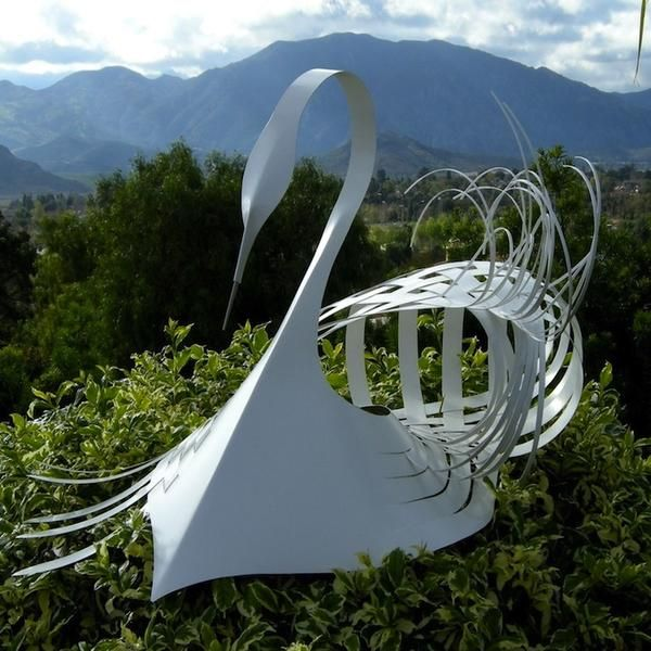 飛揚的立體紙雕天鵝 Paper Sculpture Bird Sculpture Sculpture