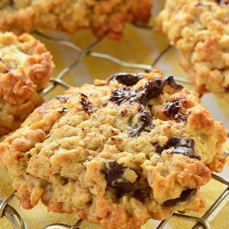 This oatmeal chocolate chip cookie recipe is so easy to make and is a satisfying cookie.