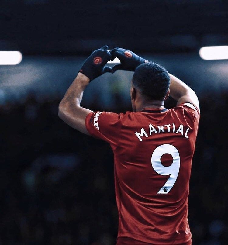 Love To Fans From Martial In 2020 Anthony Martial Martial Manchester United Wallpaper