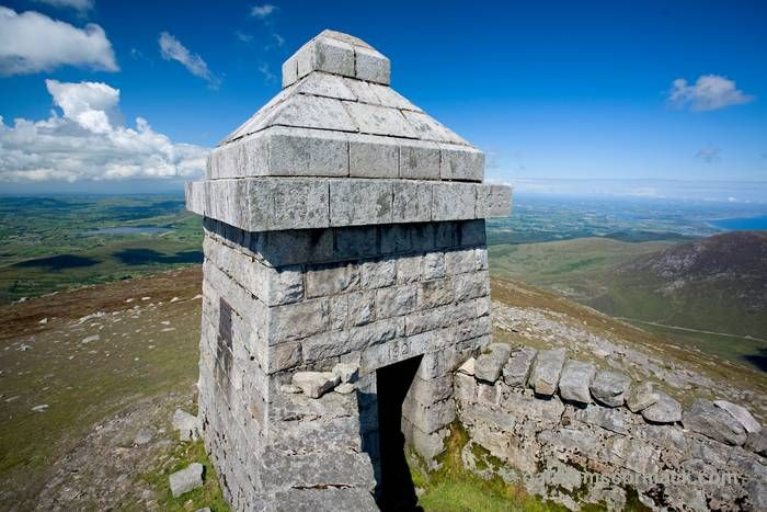 Stone Shelter At The Summit Of Slieve Meelmore Mourne Mountains Co Down Northern Ireland Irish Landscape Mountains Stone