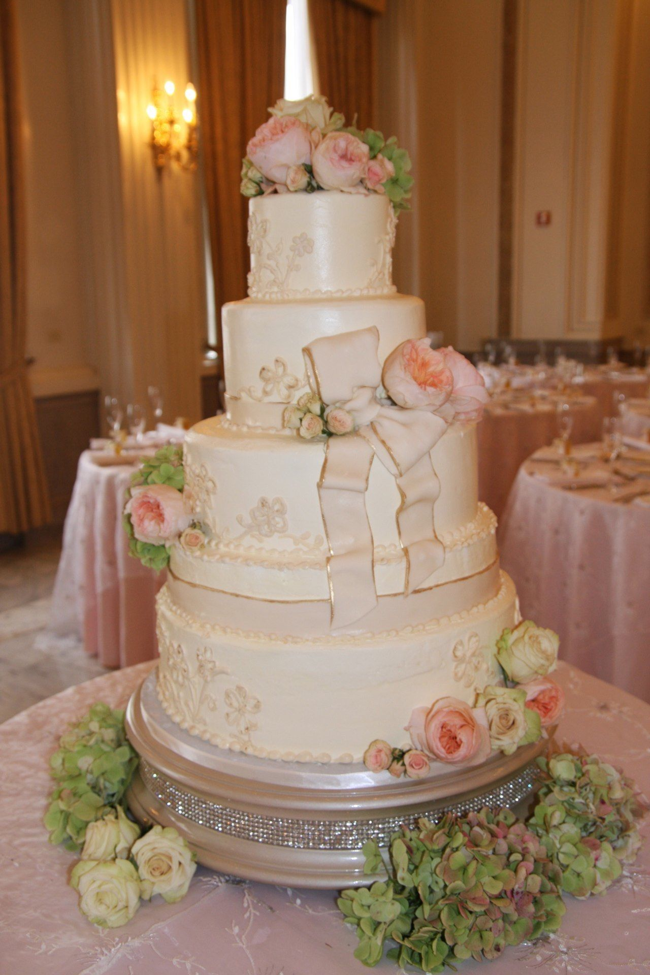 Pink Roses & Hydrangea s on buttercream frosting Cake by Susan