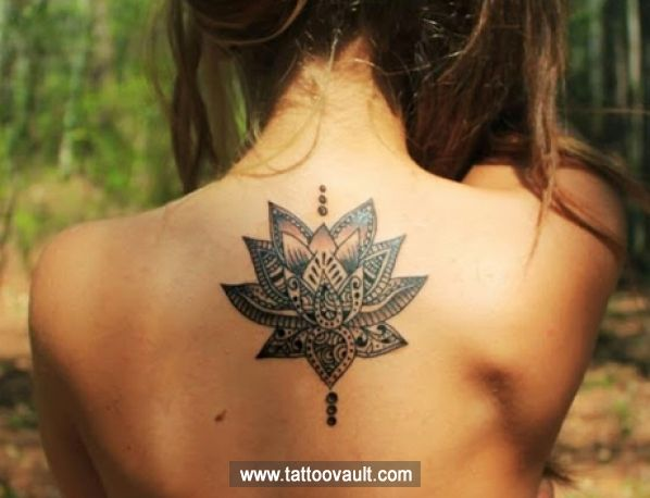 Tatouage Lotus Dos Nuque Femme Ay6tg4nt