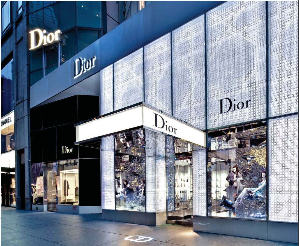 Store Facade Exterieur Dior Store Front New York 12 000 Watts Of Led Light Facade