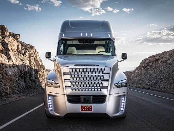Camion Freightliner Inspiration Truck Dotado De Un Sistema Casi Autonomo Poder Llevar