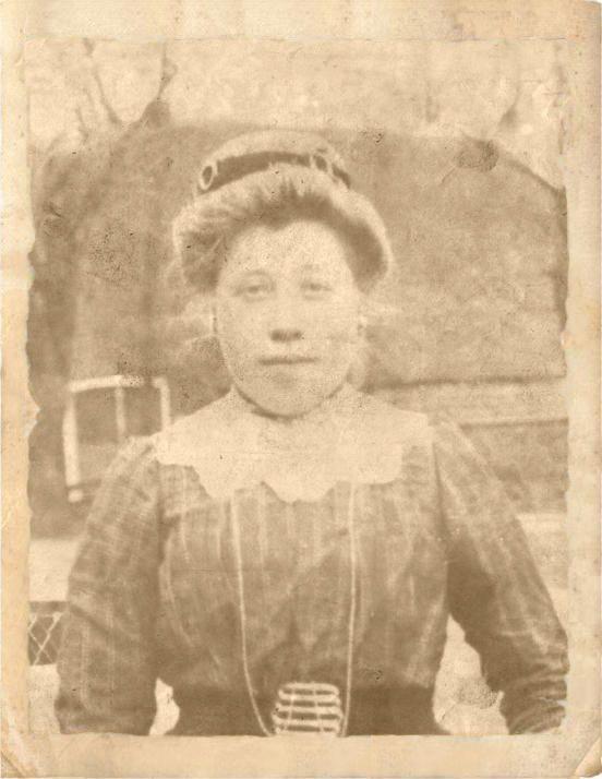 Mijn grootmoeder Antje Wijnhold-Oosting geboren in 1894
