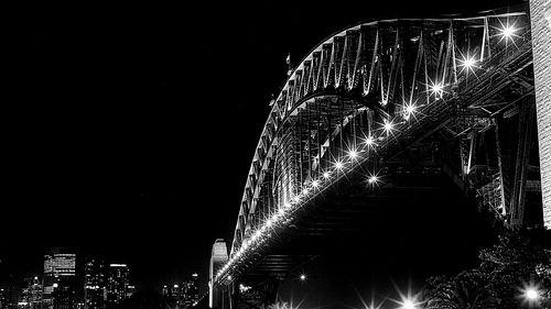 P1100760:HarbourBridge@nightB&W