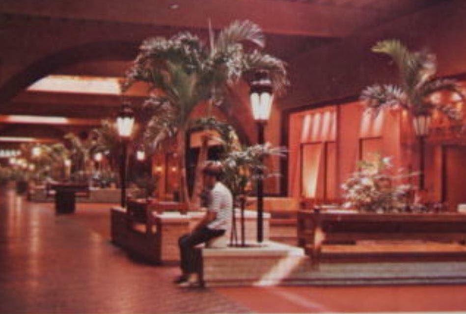 Six Flags Mall Vintage Mall Dead Malls Shopping Malls