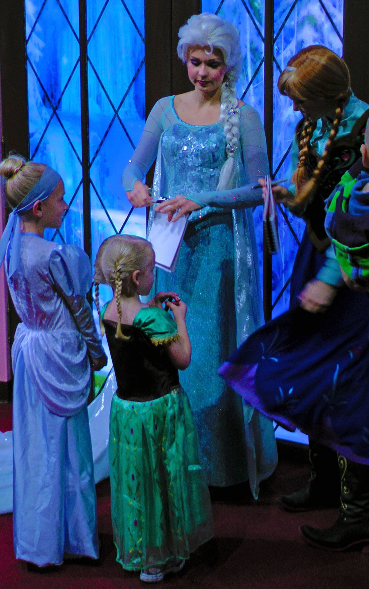 Where how to meet anna elsa at disneyland elsa family trips from staying at an off site hotel to setting a souvenir budget were sharing our top tips for saving money at disneyland resort kristyandbryce Gallery