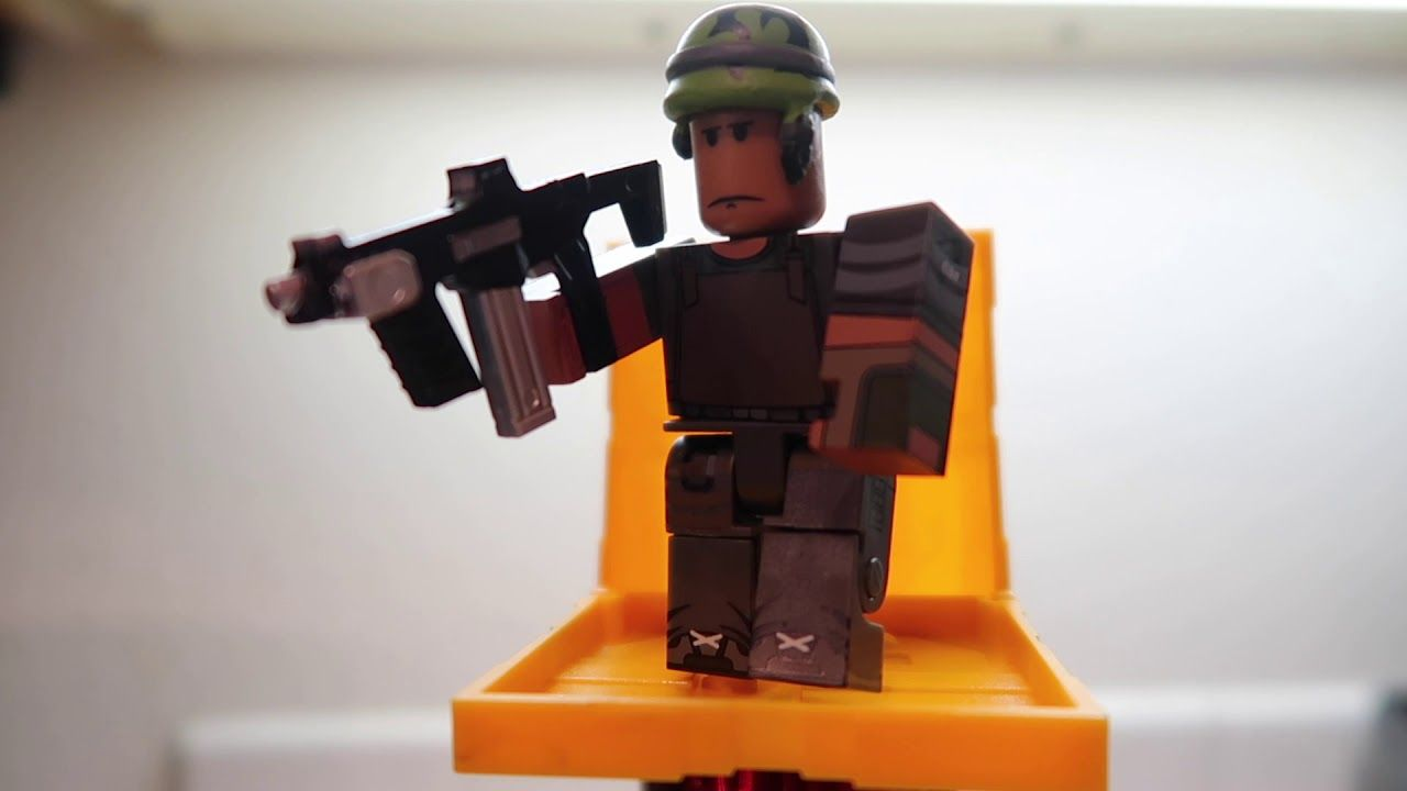 Free Roblox Toy Code Iterm Series 5 Roblox Roblox Codes Coding