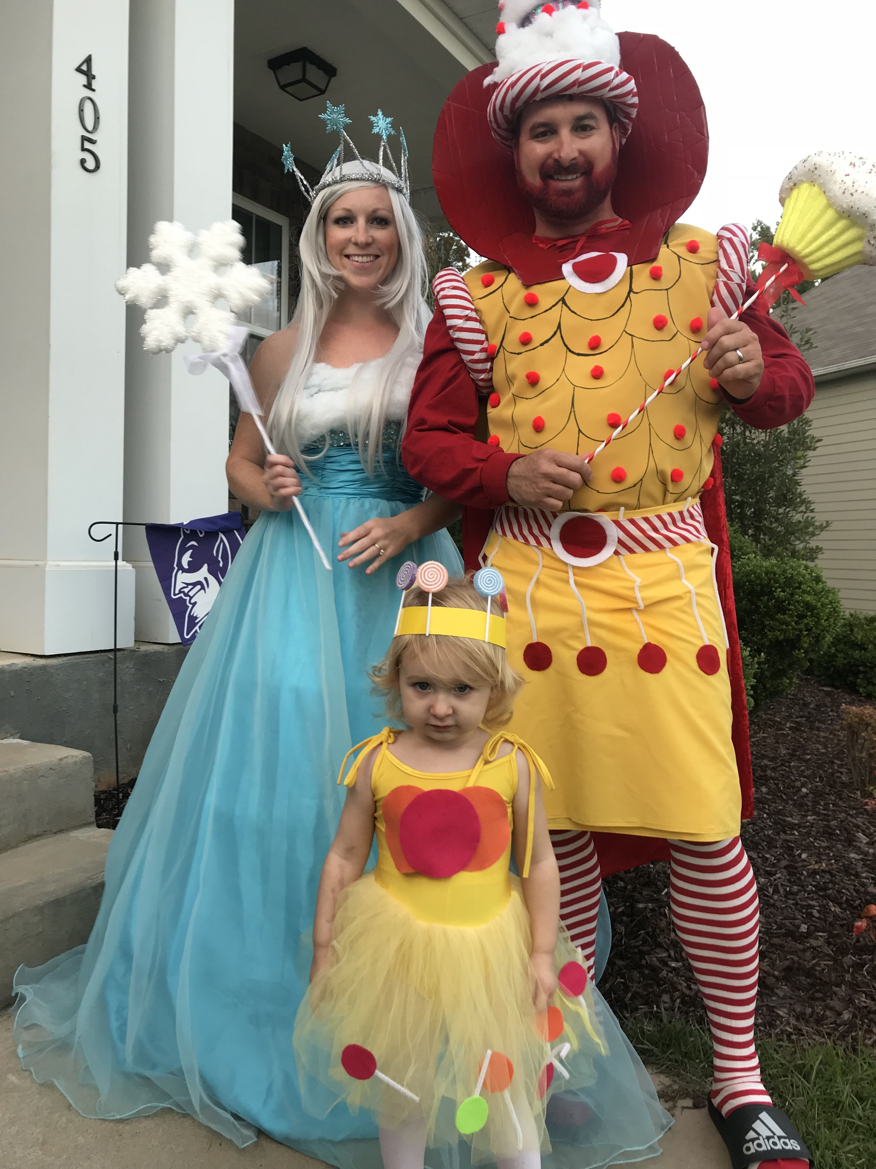 candyland family costume queen frostine king kandy princess lolly 7 tipes to an epic halloween costume