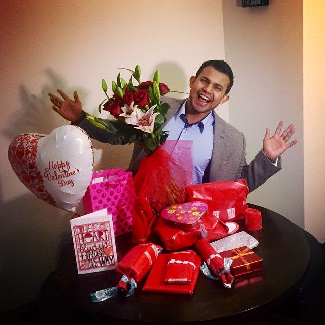 What more can I ask for! Last night surprise! Happy Valentine's Day to you too my love! @fiitness_l1fe Come soon from the gym. I miss you! ❤️