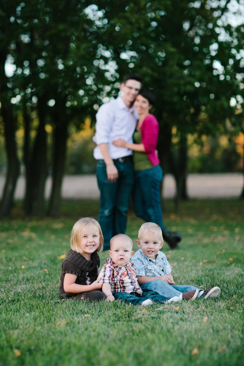 a small town, fall colors family photo session (Holverson family ...