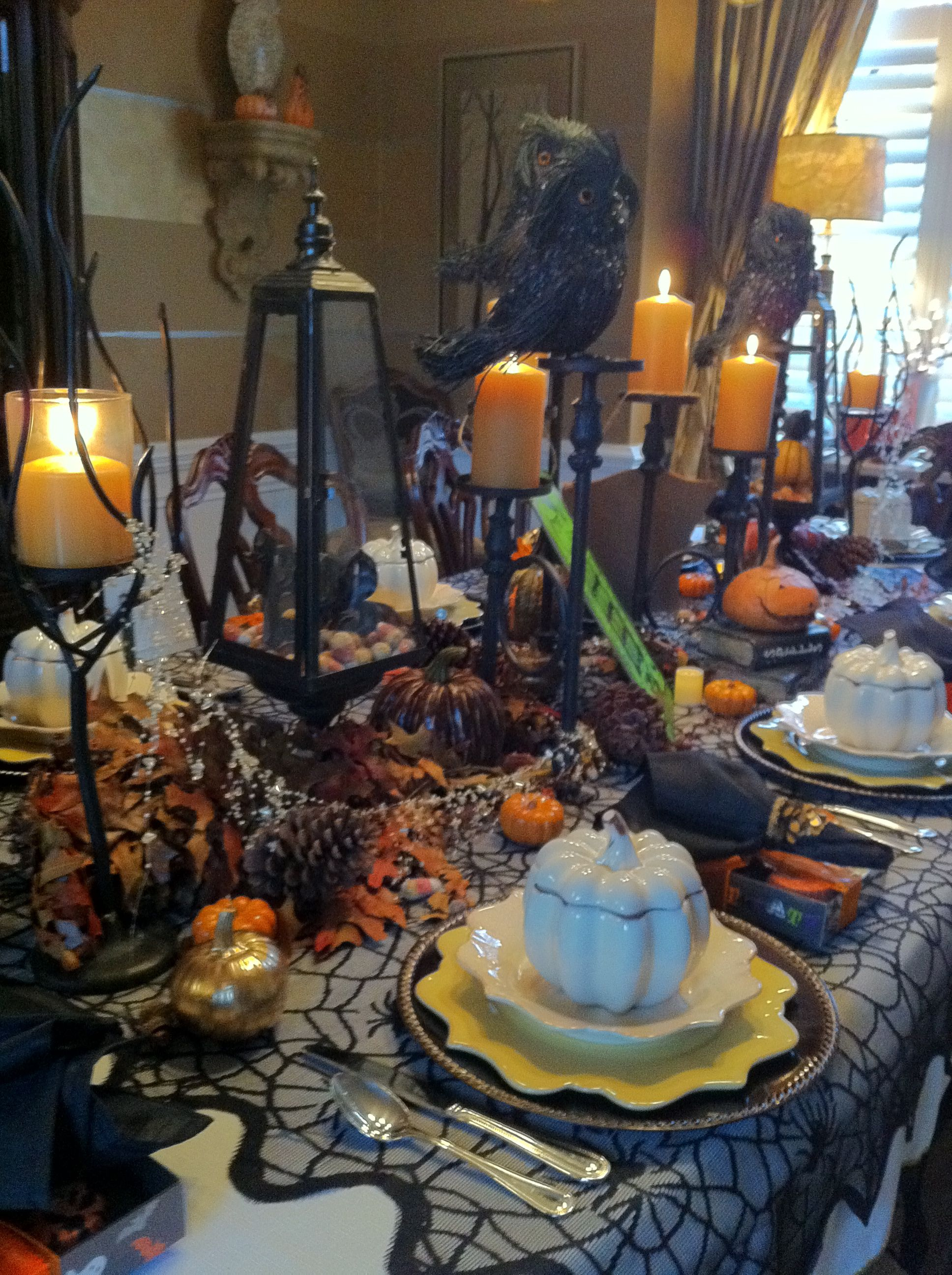 Decoration De Table Pour Halloween Sarahs Halloween Table Spooktacular Celebrations Pinterest