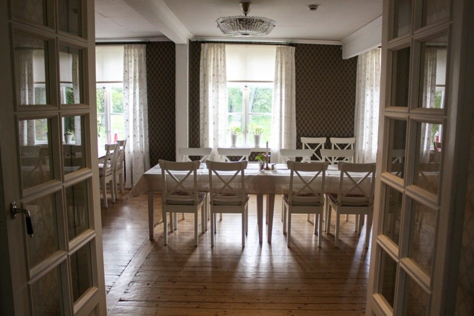 Der elegante Speisesaal in Grimsnäs Herrgard in Smaland Schweden http://www.travelworldonline.de/traveller/bb-fuer-gourmets-in-smaland-schweden-grimsnaes-herrgard/?utm_content=buffer428d6&utm_medium=social&utm_source=pinterest.com&utm_campaign=buffer ... #bb #restaurant #smaland