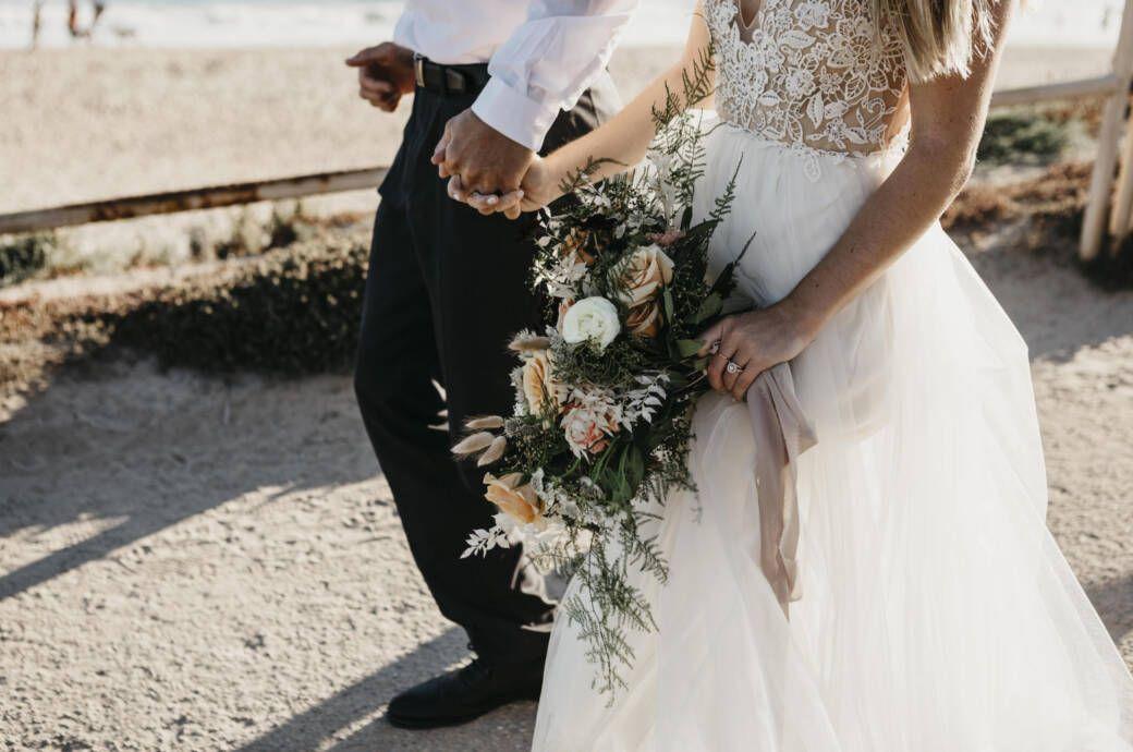 Die Brautkleid Trends In Denen Jetzt Geheiratet Wird Hochzeit Braut Traumhochzeit