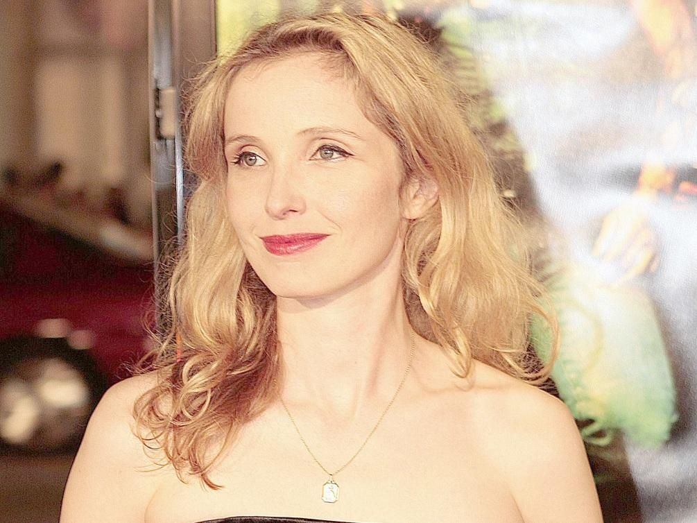 Julie Delpy waltz for a night lyrics